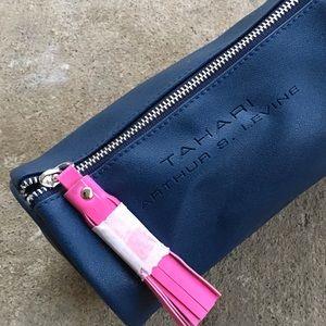 🆕 Listing!  Tahari ASL | Cosmetics Bag
